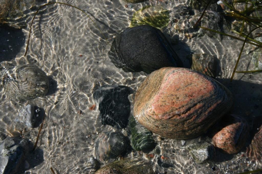 sten i vandkant